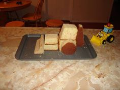 Scoop and Bob the Builder Cake - with progress pics! - COOKING