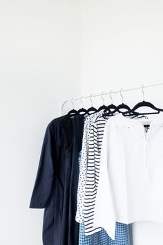 A guide to creating a minimalist summer wardrobe that's comfortable and easy to wear.