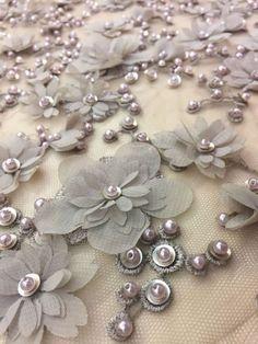 bordados em tecidos   Rosie Zanutto