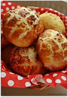 painici laugenbrot Muffin, Breakfast, Pastries, Food, Pretzel Bun, Morning Coffee, Tarts, Meals, Cakes