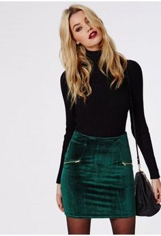 I love this outfit - the green skirt and red lips make it a really cute festive outfit --Velvet Zip Detail Mini Skirt Dark Green - Skirts - Missguided Fall Winter Outfits, Autumn Winter Fashion, Party Outfit Winter, Holiday Party Outfit Casual, Mini Skirt Outfit Winter, Winter Holiday, Winter Dresses, Winter Party Outfits, Autumn Skirt Outfit