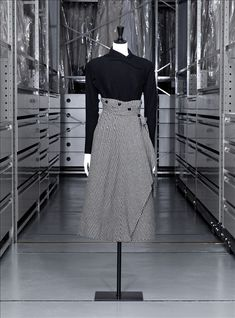 """Day dress, wool sergé and """"pied de poule, Jacques Fath, 1948 - 1949"""