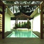 Amara Sanctuary Resort hosts popular restaurants include the award winning Thai restaurant Thanying and Shutters providing Western and Asian cuisine.