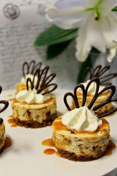 Kakkuviikarin vispailuja!: Kinuskiset Daim-leivokset