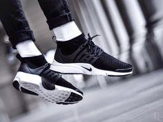 Nike Men's Air Presto Ultra Flyknit Running Shoes (9)