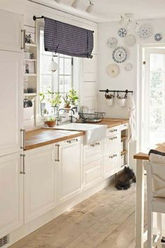 ikea kitchen ideas fresh kitchens throughout kitchen ikea kitchen ideas ikea kitchen ideas ima Kitchen Ikea, Kitchen Interior, New Kitchen, Kitchen White, Kitchen Wood, Kitchen Dining, Kitchen Small, Kitchen Decor, Space Kitchen