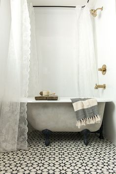 A new tub turned vintage with lime & chalk paint. Claw foot bathtub before and after makeover and tutorial.