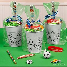 soccer party end of season favors Soccer Birthday Parties, Football Birthday, Sports Birthday, Birthday Party Themes, Soccer Party Favors, Soccer Gifts, Party Planning, Barcelona Party, Party Time