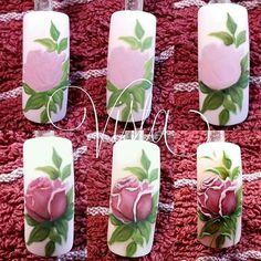 Rose nail art by Nails University ; Nail Art Fleur, Rose Nail Art, Floral Nail Art, Rose Nails, New Nail Art, Flower Nails, Matte Nails, Diy Nails, Stiletto Nails