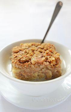 Carrot Cake Baked Oatmeal - it's like eating carrot cake for breakfast! - diettaste.com
