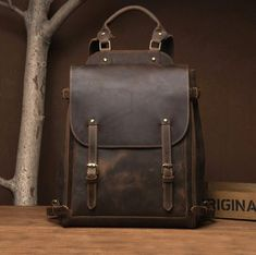 However, they are all the same in terms of quality, high prestige, maturity and lasting value. The leather bag should be loved. To nurture, to treat, to thank. The older the leather, the more valuable and patina a genuine leather bag is. Genuine leather bags - trendtaska.hu Cowhide Leather, Brown Leather, Leather Backpack, Leather Bags, Vintage Backpacks, Crazy Colour, Horse Saddles, The Prestige, Laptop Bag