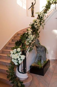 Top Deck Railing Inspiration: Greenery garland w/ white/ivory floral accent Christmas Stairs Decorations, Wedding Decorations, Gazebo Decorations, Wedding Stairs, Stairs Canopy, Winter Floral Arrangements, Violet Garden, Stairway Decorating, Beautiful Stairs