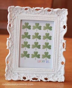These St. Patrick's Day Printables are a simple and easy way to decorate for St. - These St. Patrick's Day Printables are a simple and easy way to decorate for St.Patrick's Day! St. Patrick's Day Diy, Saint Patricks Day Art, St. Patricks Day, Holiday Crafts, Holiday Fun, Holiday Ideas, Spring Crafts, Christmas Holidays, Festive