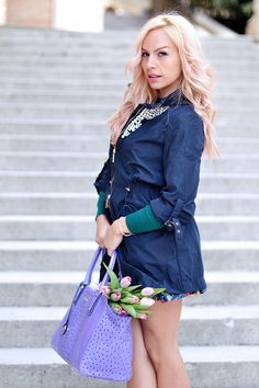 Trench coat, floral skirt, nude pumps and Gianni Altieri bag - Today on my blog www.it-girl.it #fashion #style #look #outfit #ootd #fashionblog #lookoftheday #outfitoftheday