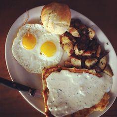 "hearty breakfast-Eat breakfast like a king, lunch like a prince, and dinner like a pauper."""