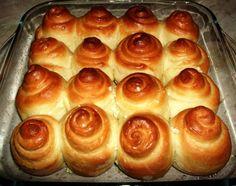 I Pampoushki sono dei gustosi panini all'aglio ricavati da latte, lievito e farina che vengono sagomati come polpettine prima di essere cotti in brod...