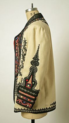 early century, wool and silk coat form Romania. The intricate detail is astounding. Historical Costume, Historical Clothing, Historical Dress, Fall Outfits, Fashion Outfits, Fashion Coat, Folk Embroidery, Embroidery Ideas, Silk Coat