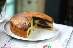 Picture from sugareverythingnice Marble Cake Ingredients: 8 large eggs, separated . Cake Cookies, Cupcake Cakes, Cupcakes, Marmer Cake, Resep Cake, Sweets Recipes, Desserts, Marble Cake Recipes, Greek Sweets