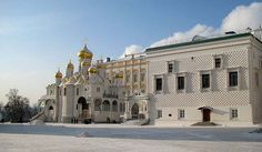 The Cathedral of the Annunciation (Russian: Благовещенский собор, or Blagoveschensky sobor) is a Russian Orthodox church dedicated to the Ann... Get more information about the Cathedral of the Annunciation on Hostelman.com #attraction #Russia #landmark #travel #destinations #tips #packing #ideas #budget #trips