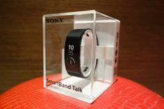 鄭蛋蛋的3C評測站:手機配件介紹 / 實用性大提升 SmartBand Talk by Sony 開箱