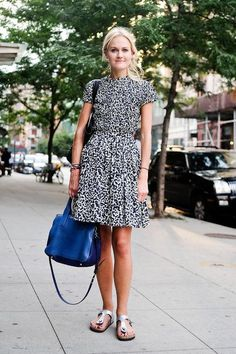 • Summer outfit idea: a printed black and white dress •