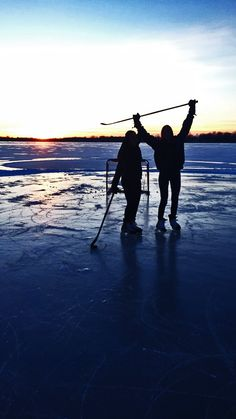 pond hockey silhouette
