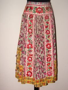 Folk Clothing, Historical Clothing, Folk Dance, Traditional Dresses, Modern, Steampunk, Victorian, Costumes, Embroidery