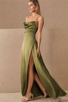 Cute Prom Dresses, Prom Outfits, Gala Dresses, Satin Dresses, Pretty Dresses, Beautiful Dresses, Green Satin Dress, Evening Dresses, Green Party Dress
