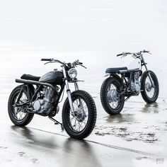 Two new Yamaha scrambler customs from Auto Fabrica Yamaha Cafe Racer, Honda Scrambler, Scrambler Custom, Scrambler Motorcycle, Custom Motorcycles, Custom Bikes, Cafe Racers, Mercedes Sprinter Camper, Desert Sled