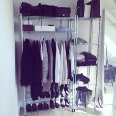 Nyt i mit walk in Room Closet, Closet Space, Ikea Omar, Wardrobe Solutions, Welcome To My House, Dressing, Room Goals, Home And Deco, Fashion Room