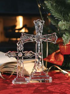 Waterford Standing Cross Xmas Ornaments, Christmas Decorations, Cut Glass, Glass Art, Metal Art Sculpture, Crystal Cross, Prayer Room, Waterford Crystal, Crystal Collection