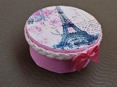 Kleine Geschenkschachtel in rosa mit Eiffelturm von Schmucktruhe, €9.50