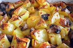 Cartofi noi cu ciuperci si usturoi Potato Salad, Potatoes, Vegetables, Cooking, Ethnic Recipes, Food, Chef Recipes, Kitchen, Potato