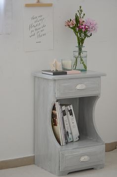 Transformar un dormitorio con muebles de algarrobo con una suave pátina gris / Vero Palazzo - Home Deco Muebles Shabby Chic, Vintage Farm, Chalk Paint, Sweet Home, Table, Room, Diy, Furniture, Home Decor