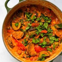Sweet Potato & Black Bean Stew - Healthy Living James Gluten Free & Vegan and £1 a portion! Veg Curry, Vegetable Curry, Black Bean Stew, Vegan Gluten Free Breakfast, Homemade Curry, Snacks To Make, Prepped Lunches, Allergy Free Recipes, Naan
