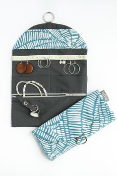 Travel Jewelry Organizer. Teal Jewelry Travel Case. Christmas Gift for Traveler. Travel Accessories. Packing Organizer. Luggage Accessories Looking for a way to keep your jewelry safe when you travel? This practical and pretty travel jewelry organizer is the perfect companion for your next trip!