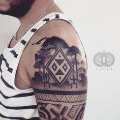 Araucarias y tribal. #tattoo #elilien #pointillismtattoo #tribal #chile