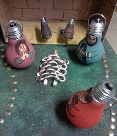 belenes-originales-bombillas Cool Designs, Recycling, Diy Projects, The Originals, Crafts, Nativity Scenes, Holidays, Christmas Stuff, Ideas Para