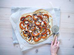 Flammkuchen mit Kürbis und Salbei - Vegetable Pizza, Vegetables, Ethnic Recipes, Sage, Easy Meals, Cooking, Food Food, Vegetable Recipes, Veggies
