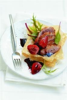 Magrets de canard aux fraises et au vin de Bandol.