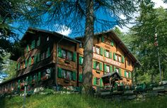 Hotel Faflerlap - situated in an idyllic setting surrounded by majestic summits and with a panoramic view of the Lötschental Valley (Switzerland) Hotels, Switzerland, Places To Go, Heaven, Hiking, Florida, Vacation, House Styles, Pictures
