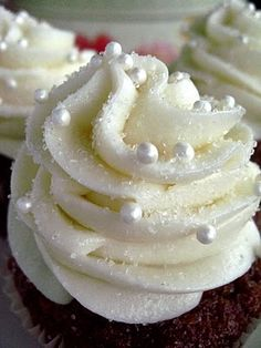 Classic Carrot Cake Cupcakes with Cream Cheese Buttercream ~