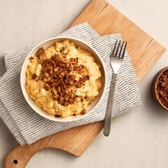 Slow Cooker Macaroni and Cheese with Spiced Breadcrumbs recipe from Saputo