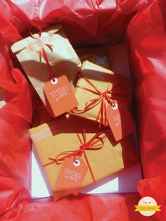 Packaging https://www.facebook.com/photo.php?fbid=325444504245240=a.325444417578582.1073741825.275662165890141=3