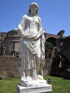 A Vestal Virgin, Roman statue (marble), century AD, (Foro Romano, Rome). Ancient Rome, Ancient Art, Ancient History, Roman History, Art History, Art Romain, Mythological Characters, Ancient Goddesses, Roman Gods