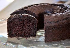 banana buttermilk chocolate cake from baking bites