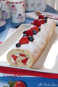Mis Dulces Joyas: Brazo de gitano relleno de fresa y mascarpone - by Lorraine Pascale
