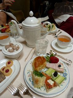 Dream experience -- Afternoon tea & a night's stay at the Adolphus, Dallas #BellaLife #TurnItOn