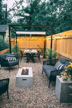 Concepts for small backyard patios are infinite! Do not be discouraged in case your backyard is tiny and also you assume it can not accommodate a tough floor seating space. A patio could be constructed in a nook with ease, Small Backyard Design, Modern Backyard, Backyard Patio Designs, Small Backyard Landscaping, Fire Pit Backyard, Patio Ideas, Landscaping Ideas, Diy Patio, Patio Decorating Ideas On A Budget