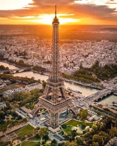 Me gusta, 94 comentarios - Tour Eiffel, Paris Photography, Travel Photography, Hello France, Tokyo Tower, I Love Paris, Paris France, Paris Skyline, Cool Photos